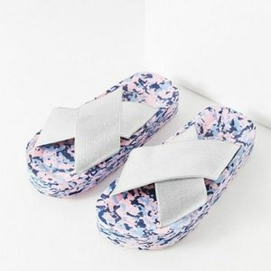 URBAN OUTFITTERS Confetti Pool Slides NEW